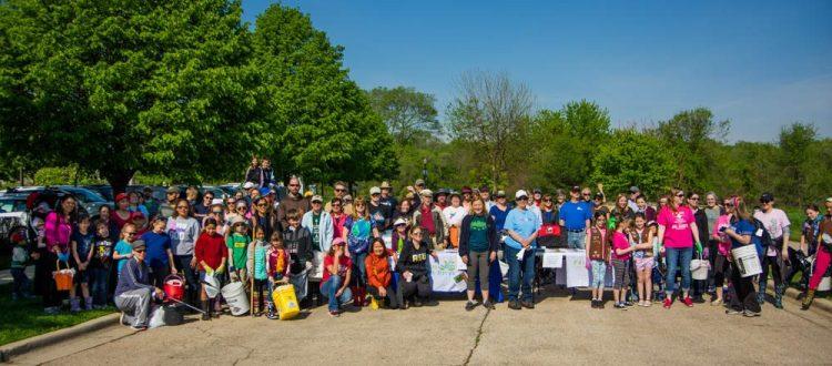 Elgin Love Our River Day volunteers